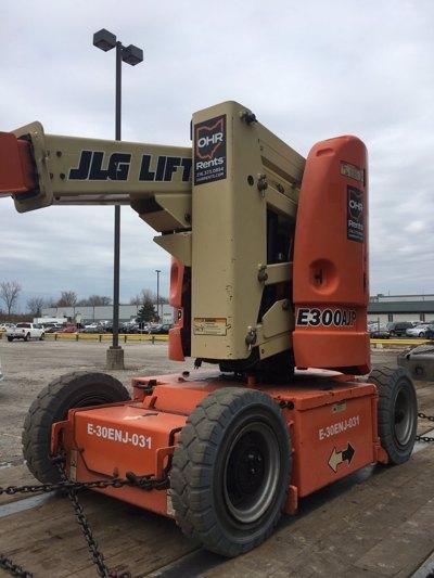 2011 JLG E300AJP