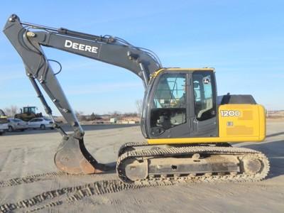 2012 John Deere 120