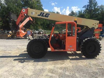 2012 JLG G6-42A