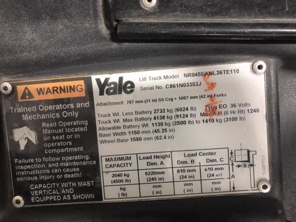 2011 Yale NR045EA