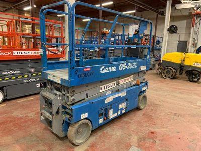 2011 Genie GS-2032