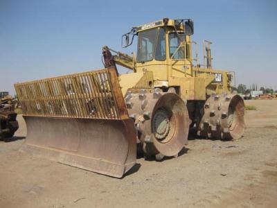 0 CAT 826C