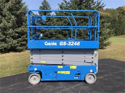 2018 Genie GS-3246