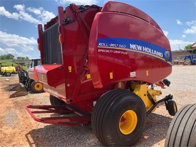 2020 New Holland Roll-Belt 560