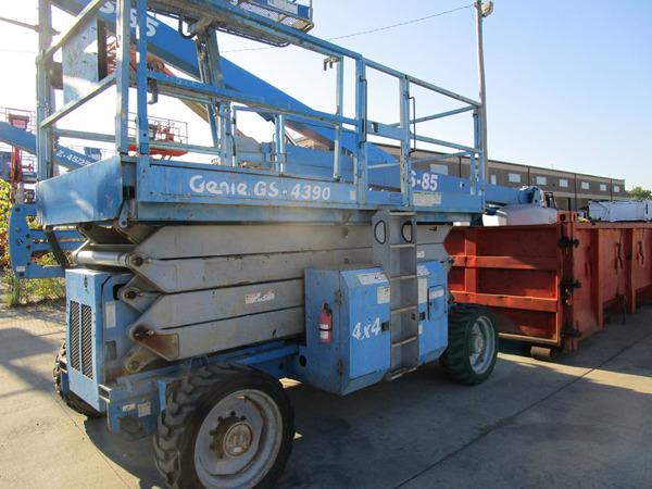 2005 Genie GS-4390 RT