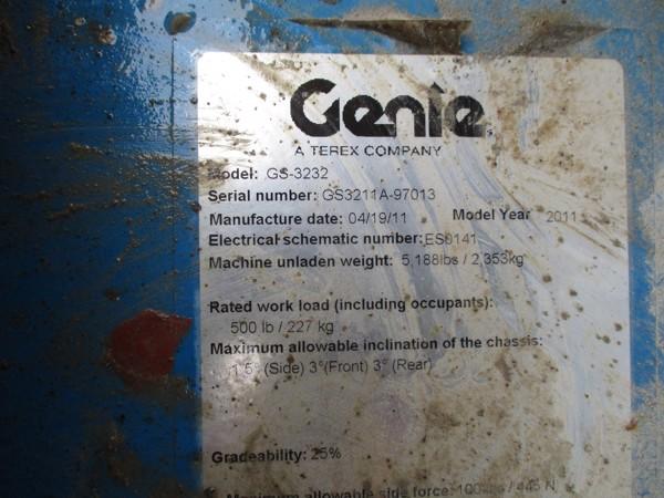2011 Genie GS-3232