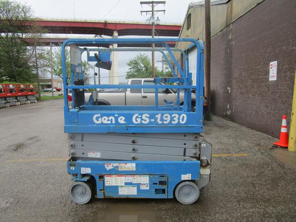 2012 Genie GS-1930
