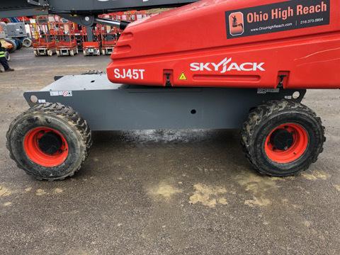 2017 Skyjack SJ45 T